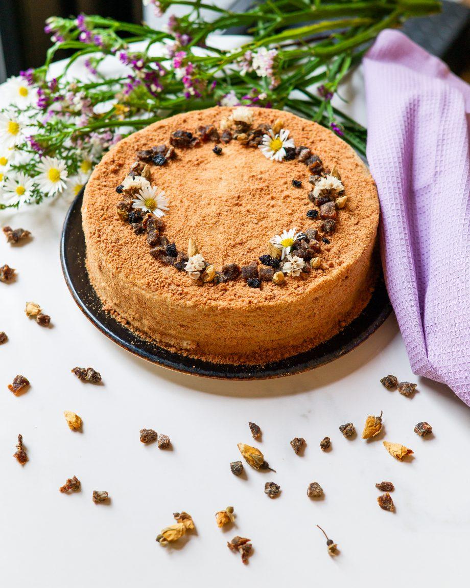 Veganiškas medaus tortas