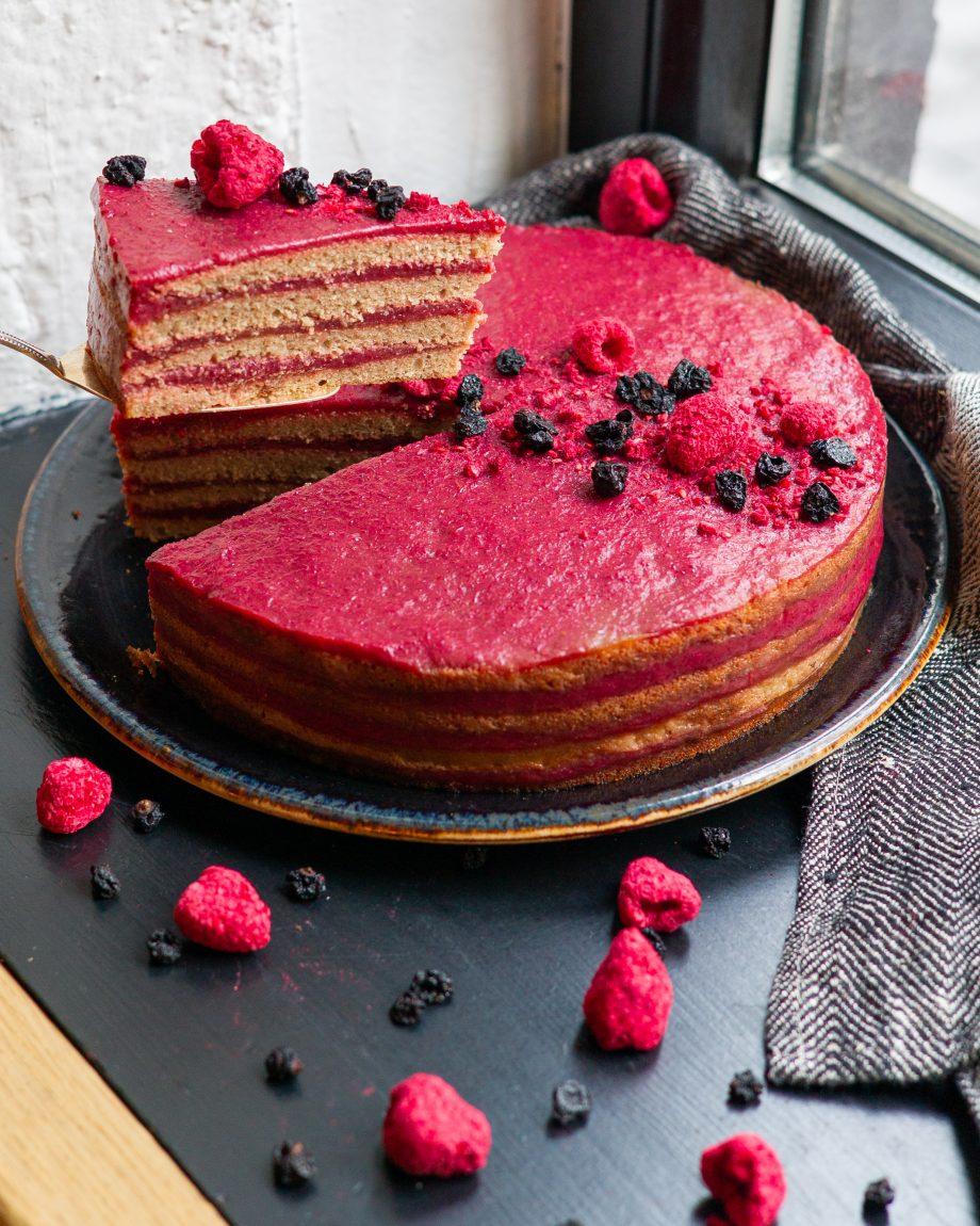 Avietinis veganiškas tortas