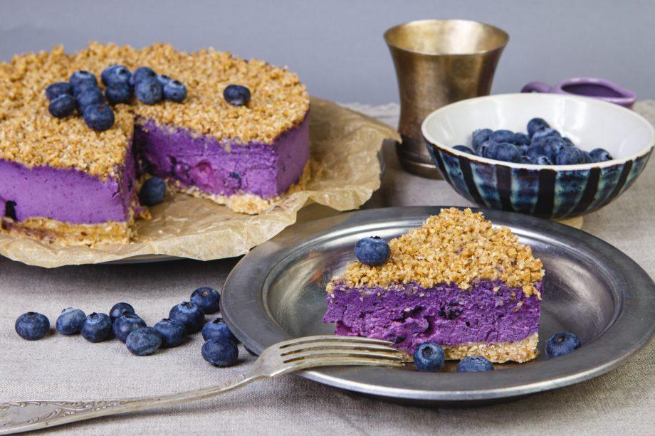 Veganiškas tortas su uogomis