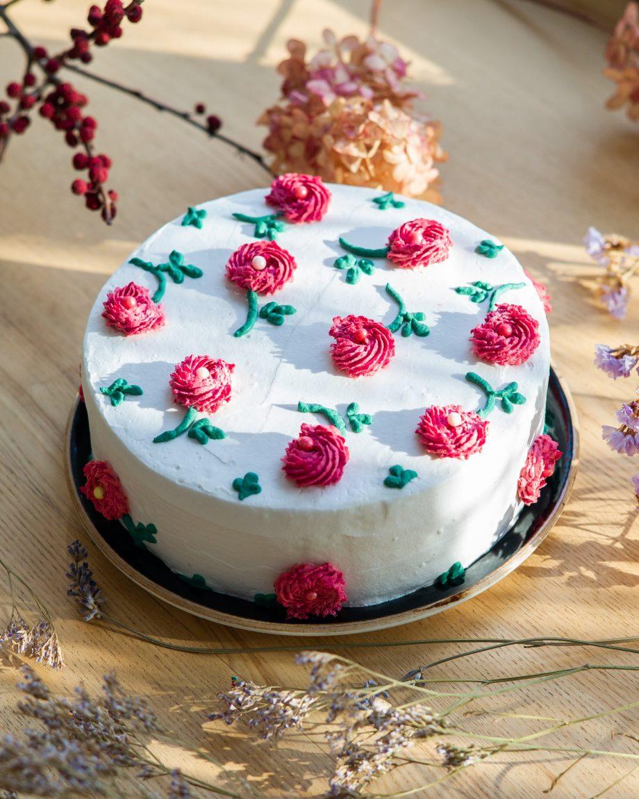 tortu puosimas gelemis_veganiskas tortas