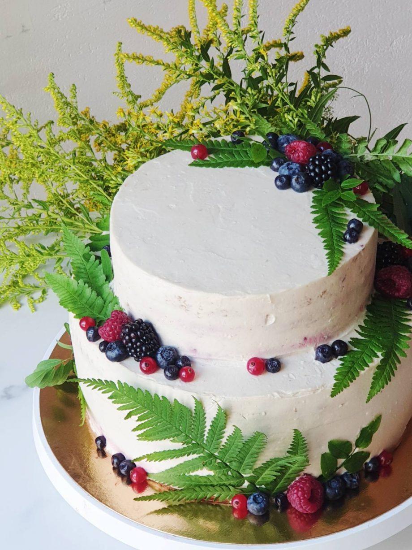 Torto papuošimas gėlėmis_dviaukštis tortas